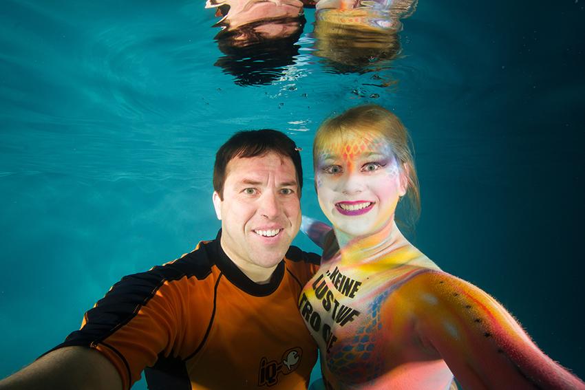 Unterwasser Bodypainting – Selfie